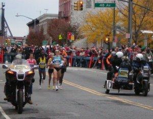 NYC Marathon 2009 women elites mile 14